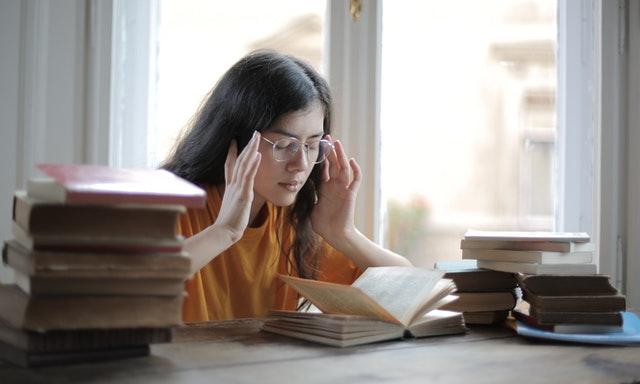estudiando para el examen b2 first